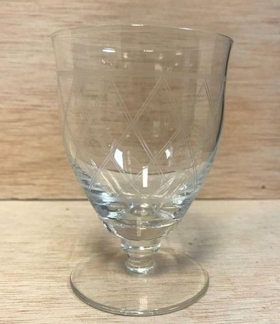 Important set of 19 crystal glasses including :  - 5 small digestive glasses  -...