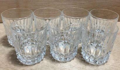 Cristal d'Arques  Lot de sept verres à whisky...