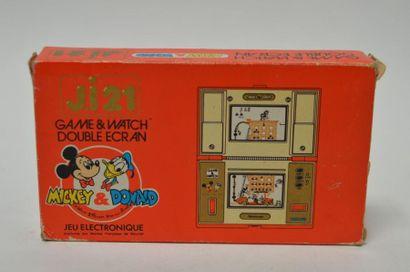 Game Watch DOUBLE ECRAN J.i21 «Mickey Donald»...