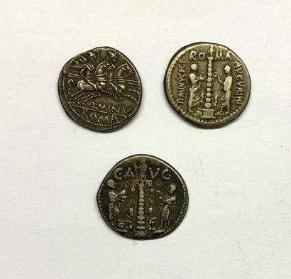 Rome – Minucia  Lot de trois Deniers  A : Tête casquée de Mars à droite  Bel état...