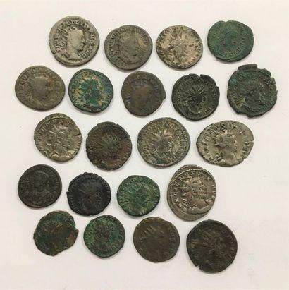 Rome  Lot de 21 monnaies de l'Empire  Etat...