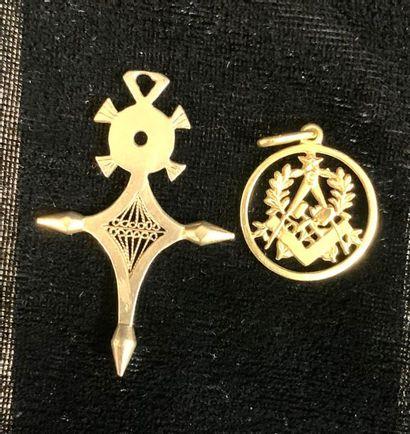 Bijoux - Pendentif  Lot de deux pendentifs...