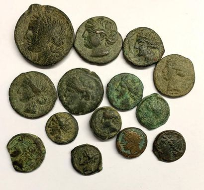 Carthage –  Lot de quatorze bronzes  Mauvais...