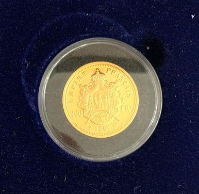 France – Médaille  Une médaille copie d'une pièce de 100 Francs Napoléon III tête...