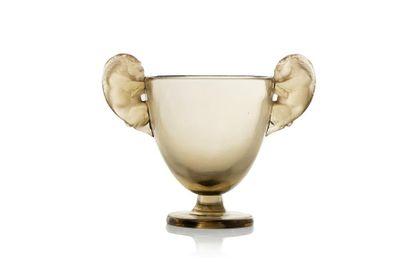 René LALIQUE (1860 - 1945) Vase