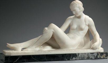 PUGI Nu féminin Sculpture en marbre blanc.Taille...