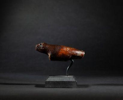 Amulette chamanique présentant un phoque...