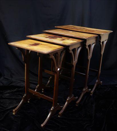 Emile GALLE (1846-1904)  4 tables gigognes...