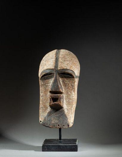 Masque de danse initiatique « Kifwébé » de...