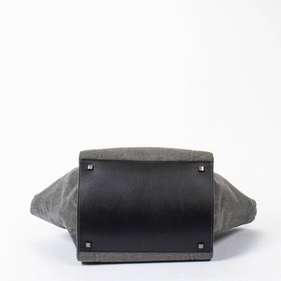 "CÉLINE Cabas ""Phantom"" GM - ""Phantom"" GM tote Grey wool, black leather  Silver metal..."