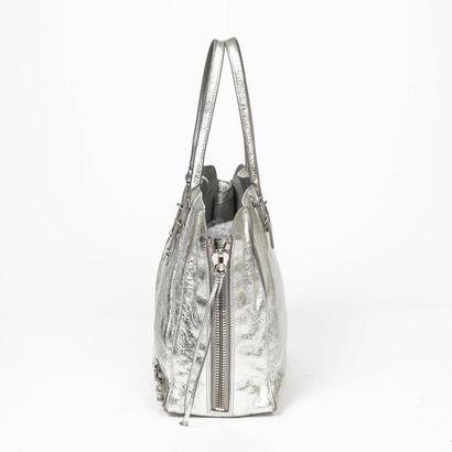 "BALENCIAGA Cabas ""Paper Zip Around"" - ""Paper Zip Around"" tote Aged silver leather..."