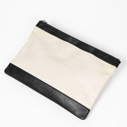 "BALENCIAGA Pochette ""Navy Clip"" - ""Navy Clip"" clutch Toile beige, cuir lisse noir..."