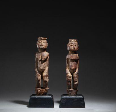 Paire de statuettes masculine et féminine,...