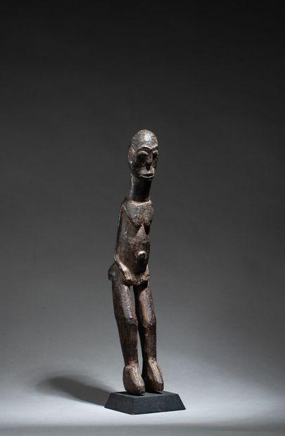 Statuette hermaphrodite présentant un personnage...