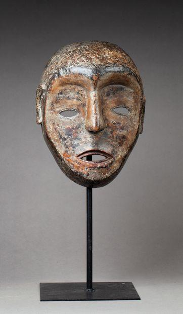 Masque de danse  Bois, ancienne patine d'usage...