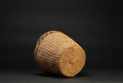 Deux paniers  Rotin tressé avec marques d'usage  Yanomami, Amazonie, frontière Brésil-Venezuela...