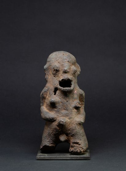 Intéressante statuette de forme primitive...