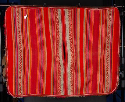 Ensemble de deux ponchos  Fil de coton et de camélidé tissés et cousus main  Bolivie,...