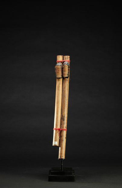 Flûte chamanique Urui à deux tubes  Fils...