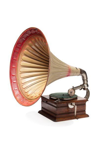POP & CULTES Gramophones & Phonographes Part III