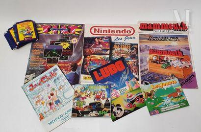 MAGAZINES  Ensemble de magazines de jouets...