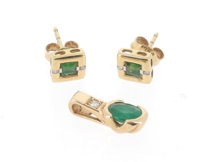 Set consisting of a pendant and a pair of earrings in 18 K yellow gold (750 °/°°)...