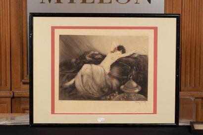 Louis ICART (1880-1950) Femme allongée sur la couverture en fourrure  Gravure  38...