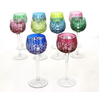 10 verres à vin blanc colorés
