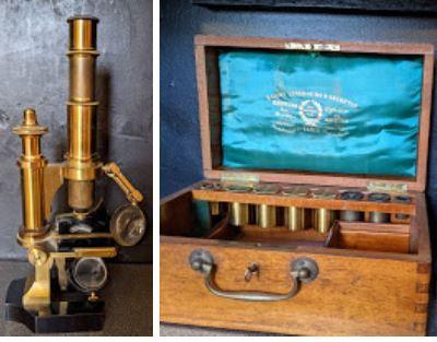 Microscope en laiton.  Complet de ses optiques...
