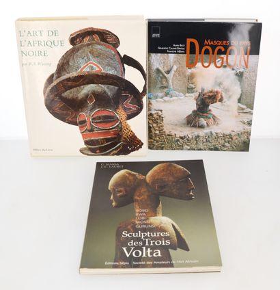 3 ouvrages:  L'ART DE L'AFRIQUE NOIRE  SCULPTURES DES TROIS VOLTA  MASQUES DU PAYS...