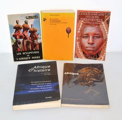 5 ouvrages:  LES SCULPTURES DE L'AFRIQUE NOIRE  LE CHAMANISME ET LES TECHNIQUES...