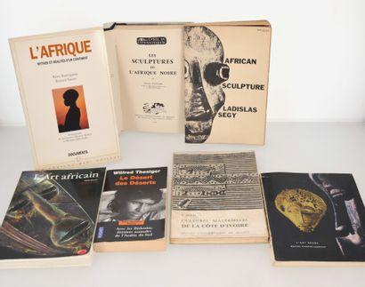 7 ouvrages:  L'AFRIQUE: MYTHES ET REALITES...