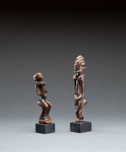 Deux statuettes Dogon  présentant un personnage...