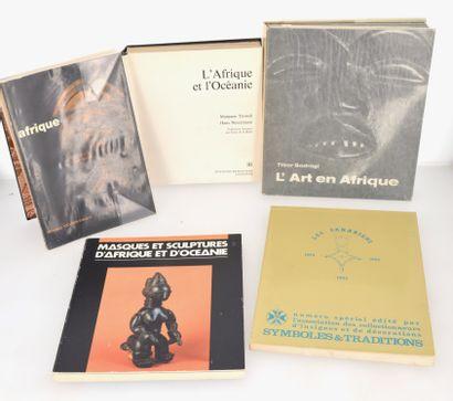 5 ouvrages:  AFRIQUE  L'AFRIQUE ET L'OCEANIE...