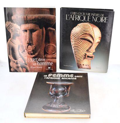 3 ouvrages:  L'ART D'ETRE UN HOMME  CHEFS...