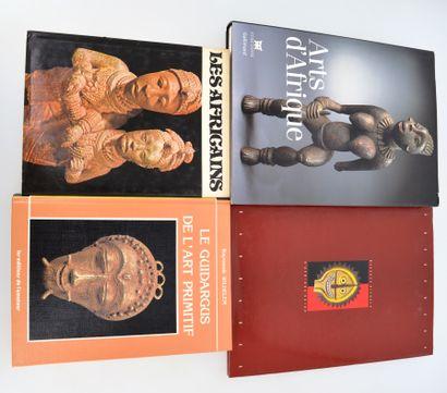 4 ouvrages:  ARTS D'AFRIQUE  PRESENCES BARBARES...