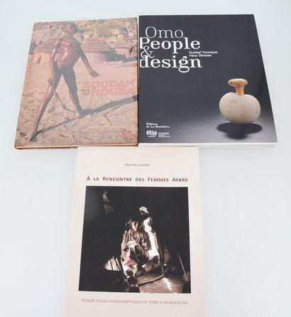 3 ouvrages:  SOUDAN PAYS DES NOUBA  VERSWIJVER...