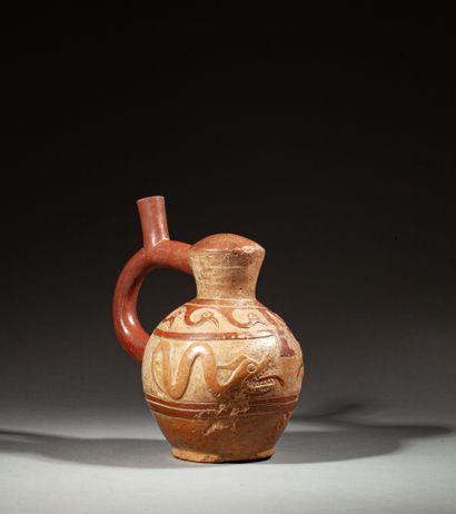 Vase étrier  à décor de serpents, vagues...