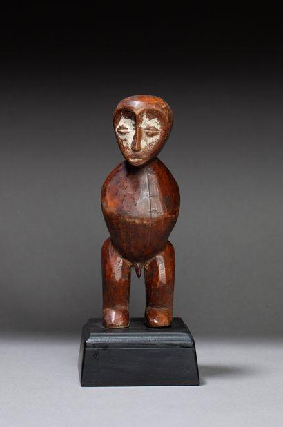 Statuette cultuelle  présentant un personnage...