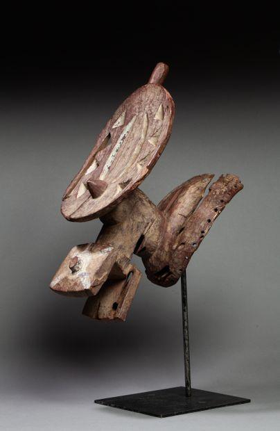 Archaïque masque cimier  présentant un esprit...