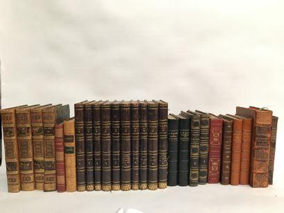 Lot de livres comprenant :  - V.HUGO, Les...