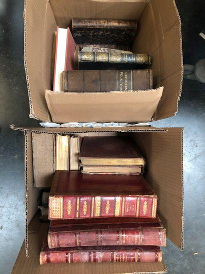 5 cartons de livres dont Jules Verne, Corneille,...
