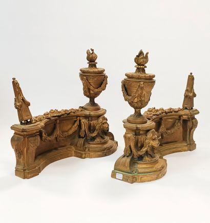 Paire de chenets de style Louis XVI en bronze...