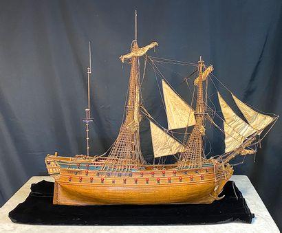 Maquette de trois mâts en bois à  Milieu XIX eme  H. : 88 - L. : 113 - P. : 17 cm...