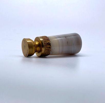 Cachet en agate, base en bronze doré ornée d'une frise de lauriers, matrice vierge...