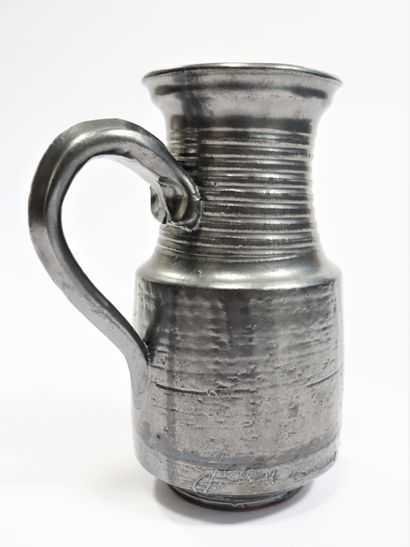 Jean MARAIS (1913-1998)  Pichet en céramique...
