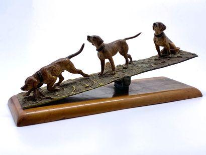 Bronze de Vienne  Chien d'arrêt en action...