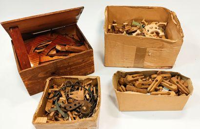 Outils de luthier et éléments de lutherie  Lot comprenant des varlopes, serre-joints,...