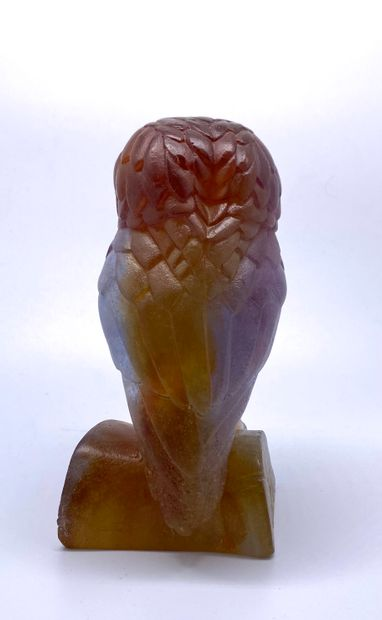 DAUM France  Chouette  Pâte de verre  Signée sur la base  H. : 13,5 - L. : 7 - P....