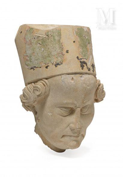 NORMANDIE, vers 1400  Tête d'évêque  Pierre...